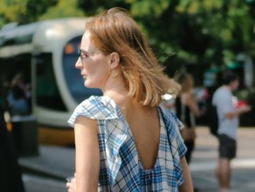 能搭配90%连衣裙的运动鞋 让你轻松郊游