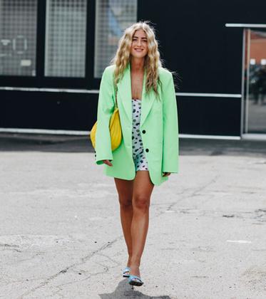 夏天只剩半个月 越宽大越时髦的西装可以入手了!