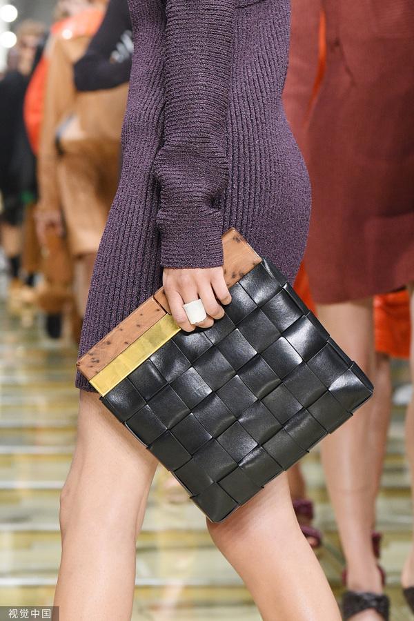 2020春夏米兰时装周:Bottega Veneta (图片来源于视觉中国)