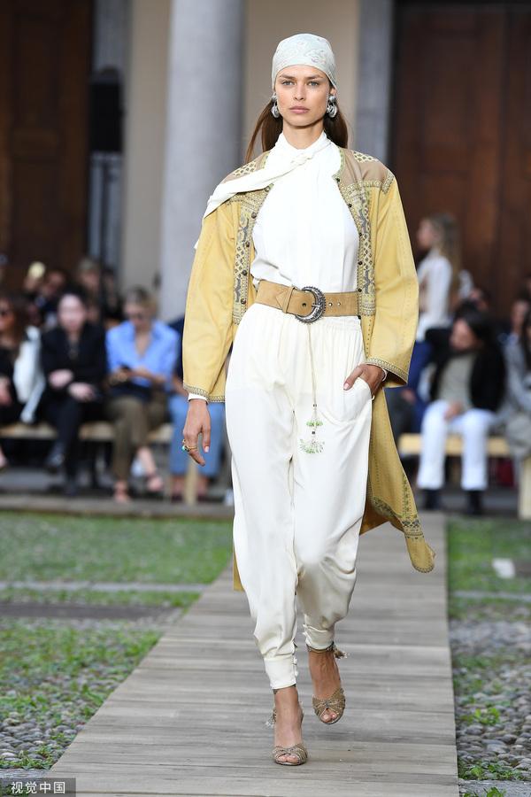 2020春夏米兰时装周:Etro (图片来源于视觉中国)
