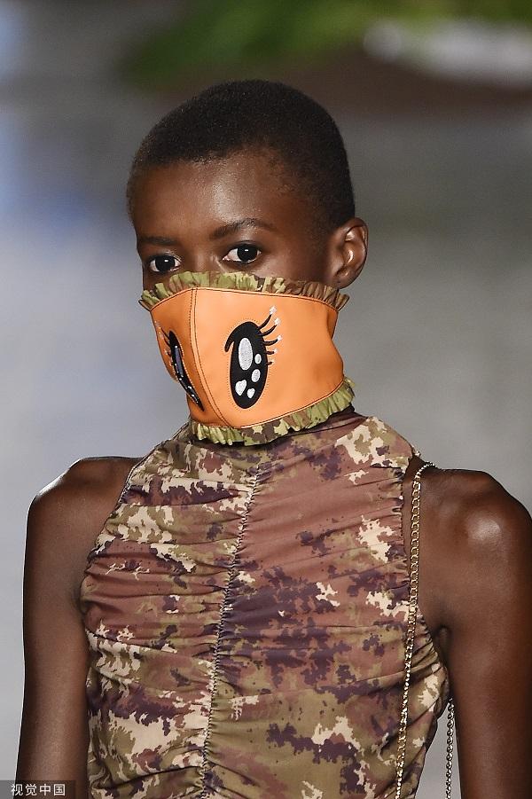 2020春夏米兰时装周:GCDS 品牌秀场(图片来源 视觉中国)