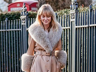 冬天外套就要帶毛毛領的,好看舒服還溫暖!
