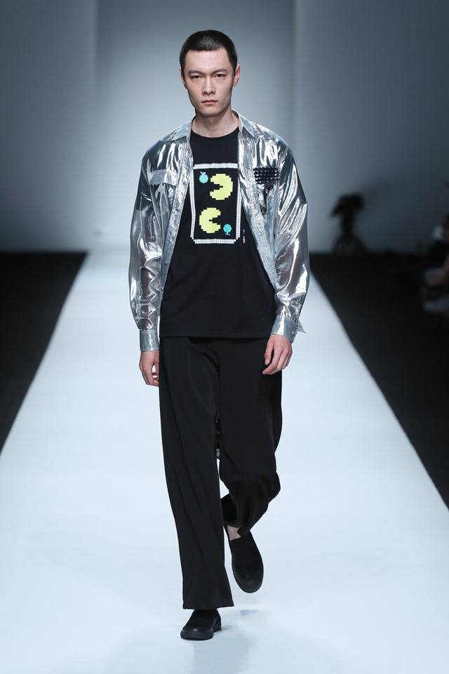 XINYUHU联手Pac-man惊喜亮相上海时装周