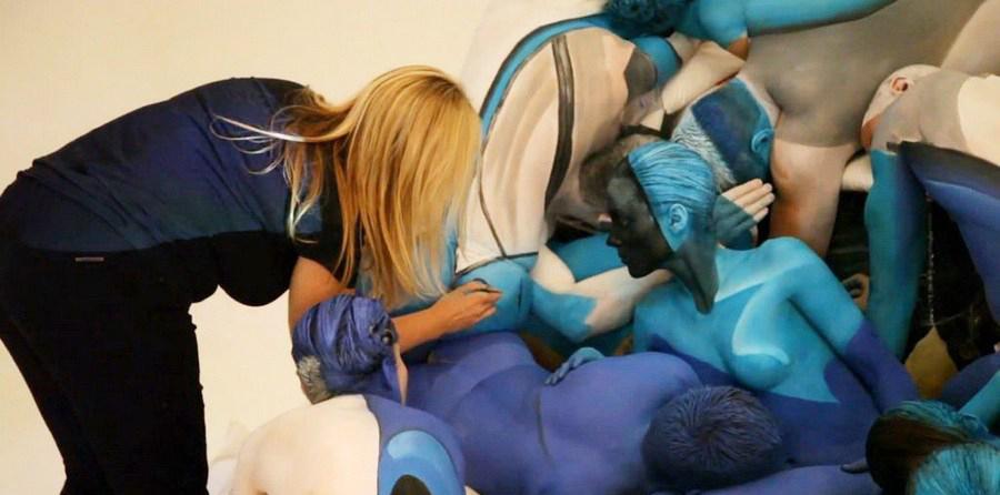 亚卅人体艺木_人体彩绘艺术家emma hack受南澳大利亚州的发动机事故委员会委托,将为