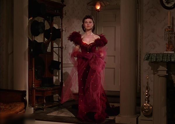 乱世佳人》的服装设计手绘图,图中展现了女主角费雯·丽饰演的斯嘉丽